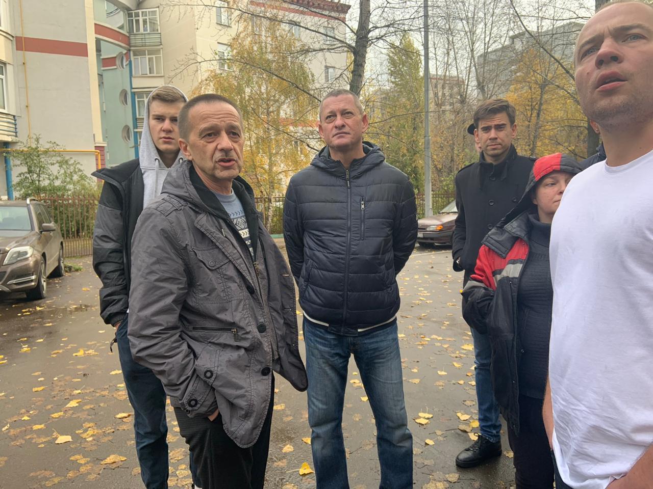Глава муниципального округа Перово и депутаты приняли участие в традиционном субботнем обходе района. Фото предоставлено аппаратом СД МО Перово