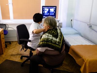 Во время проведения акции по профилактике рака молочной железы, специалистами 69-й поликлиники обследована 201 женщина.