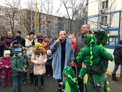 В Перове при поддержке Совета депутатов состоялся праздник «Ёлка нашего двора». Фото предоставлено Ириной Рыжковой