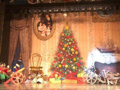 Для малышей в Перове провели новогодние праздники