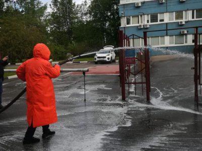 В Перово прошла масштабная дезинфекция всех дорог и общественных пространств
