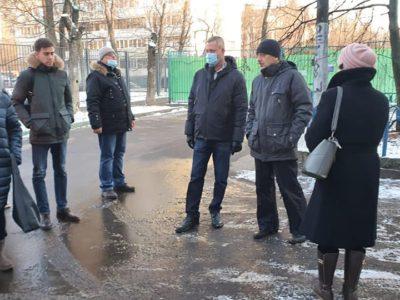 Во время обхода территорий Перово обсудили комплексное благоустройство квартала