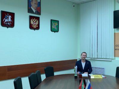 Денис Аксёнов обсудил с жителями накопившиеся вопросы