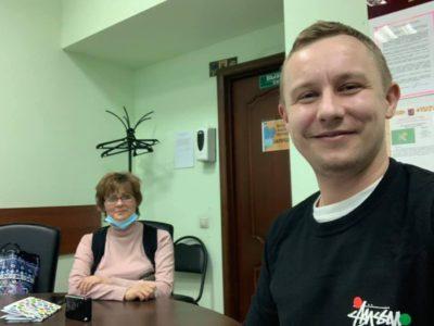Денис Аксёнов помогает голубятникам решать вопросы