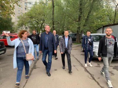 Во время субботнего обхода в Перово проверили уборку дворовых территорий